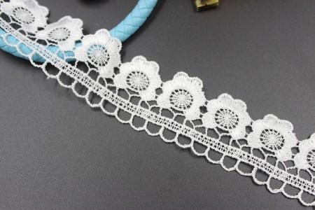 涤纶丝牛奶丝机织刺绣水溶镂空蕾丝花边