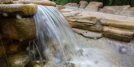 峡谷瀑布风景